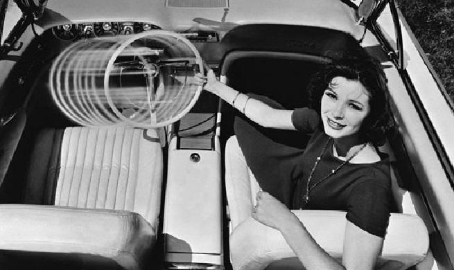 عجیبترین آپشنهایی که تاکنون در خودروها به کار رفته اند!