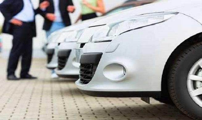 بازار خودرو فاجعه باراست