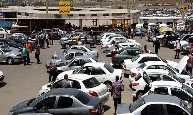 کاهش قیمت خودرو در بازار کشور