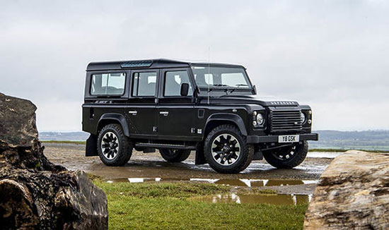 لندرووِر دیفِندِر (Land Rover Defender)
